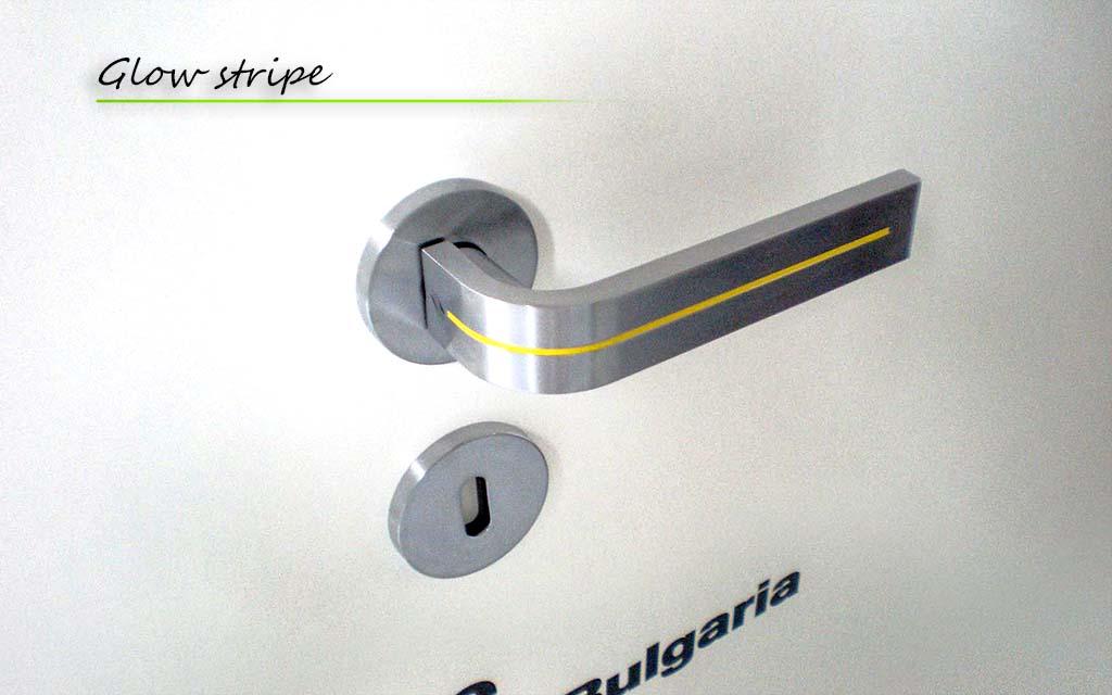 0 Glow Stripe Door Handle