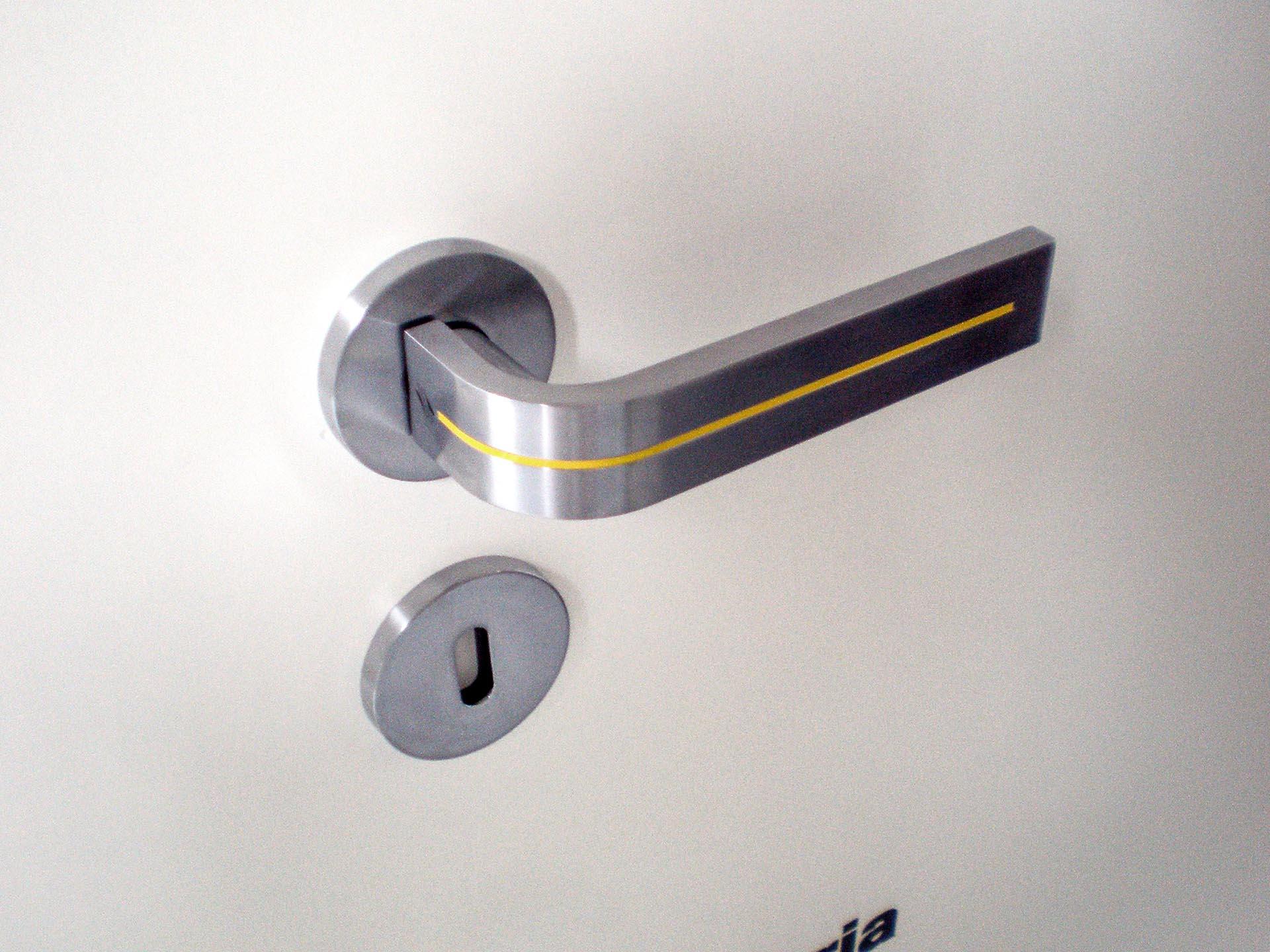 Glow Stripe Door Handle 04.jpg